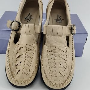 Shoes - Lifestride Durango leather/suede sandals size 10w